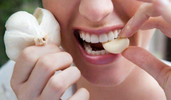 Como se livrar de uma dor de dente à noite
