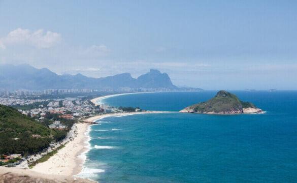 As Praias do recreio é uma das praias que recebe mais visitantes na zona oeste do rio de janeiro.