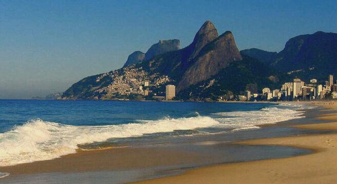A praia de Ipanema é uma das praias mais famosas da zona sul do rio de janeiro